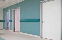 drzwi do szpitali
