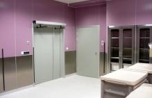 Drzwi medyczne Szpital Okulistyczny Katowice - połączenie drzwi medycznych z laminatu z panelami nierdzewnymi